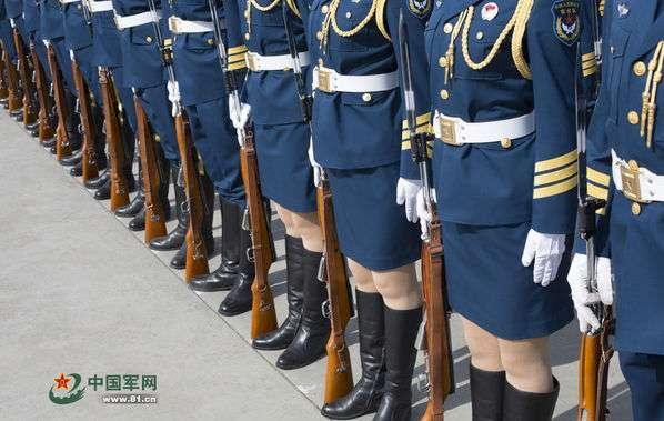 解放军仪仗队女兵选拔标准 身高至少1米73