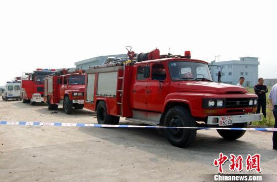 赶赴现场救援的消防车