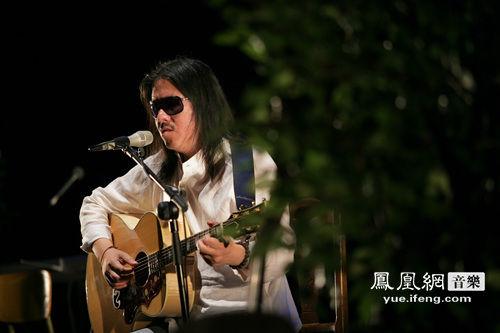 周云蓬唱谈萧红诗歌《沙粒》