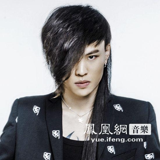 张玮全新单曲《伤》发布 好歌曲搭配好声音