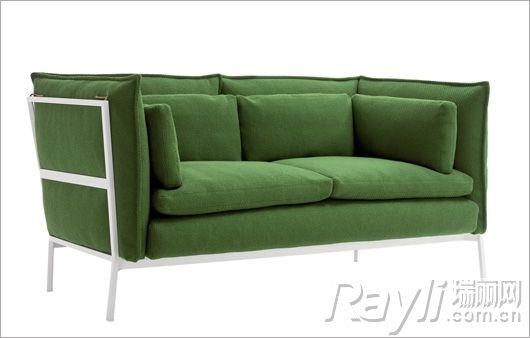 > 正文    白色手工钩织靠垫和绿色手钩盖毯与卡其色沙发搭配