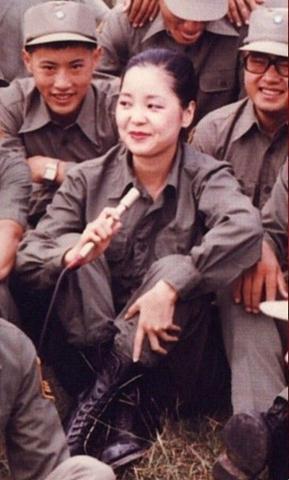 """邓丽君曾是台湾""""间谍""""(组图)"""