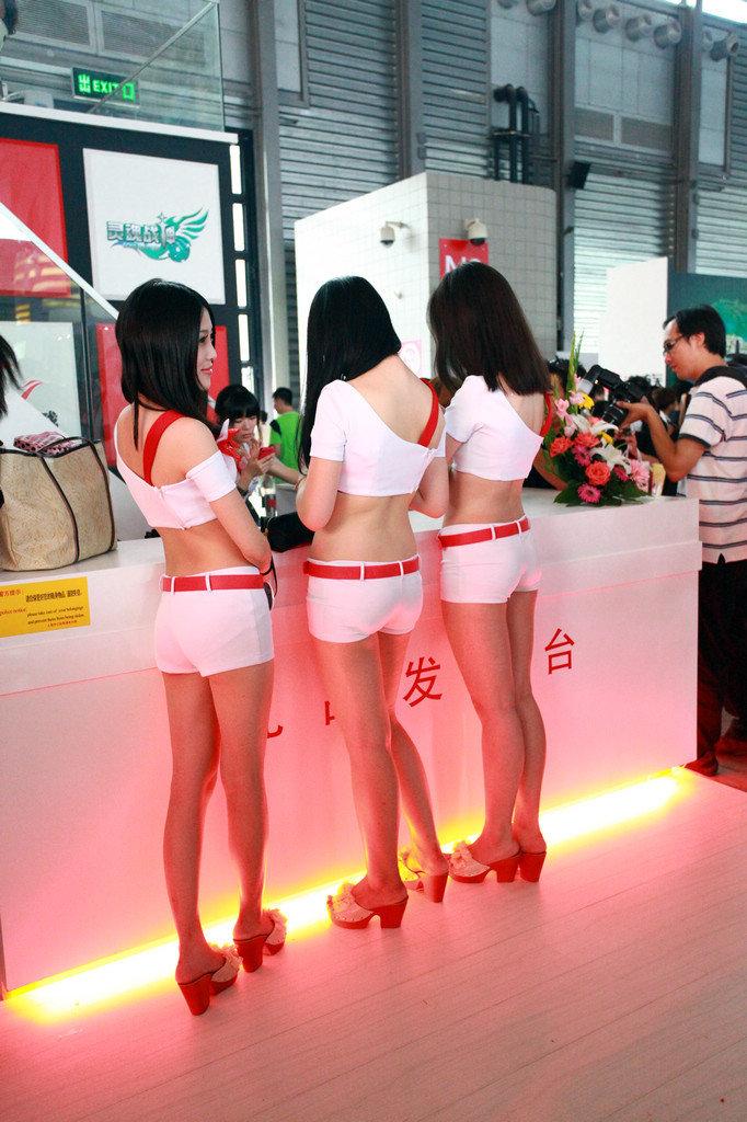 转载chinajoy看美女:showgirl性感小热裤撩人心
