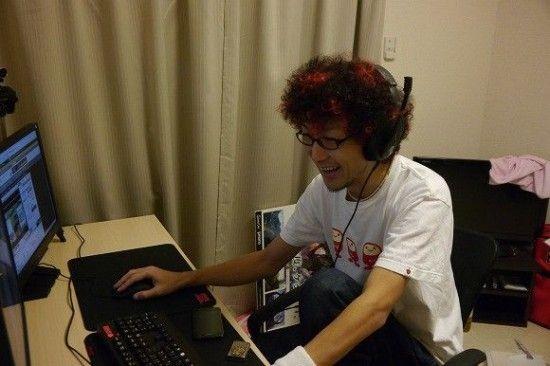 日本玩家直播自己游戏画面 3个月赚1万美金