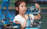 爱做机器人的10岁小女孩