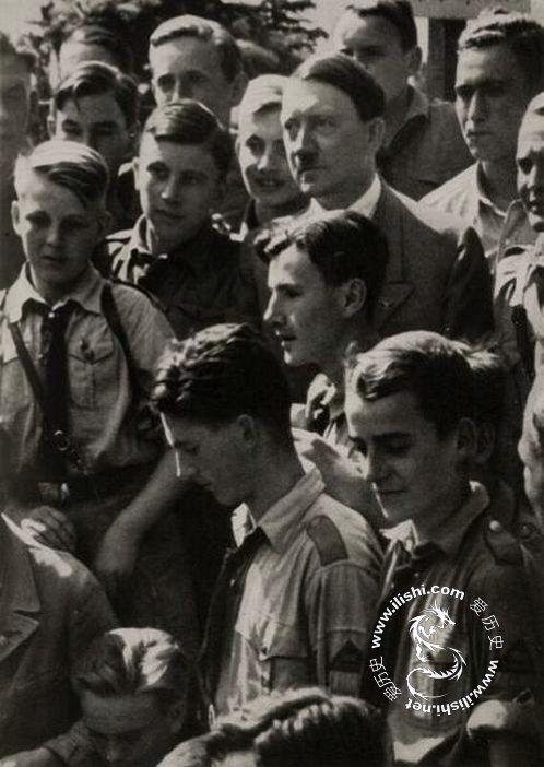 """纳粹产物:希特勒与他的""""种族纯洁""""的儿童们(转载)"""