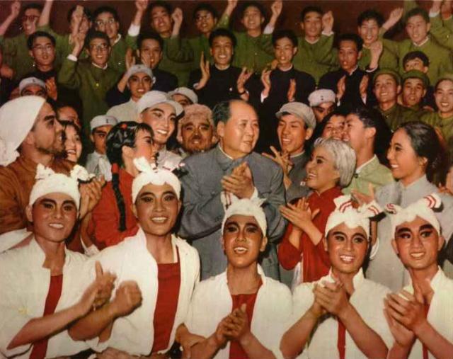 新华网:毛泽东珍贵照片 与人民群众在一起【组图】 - 春华秋实 - 开心快乐每一天--春华秋实