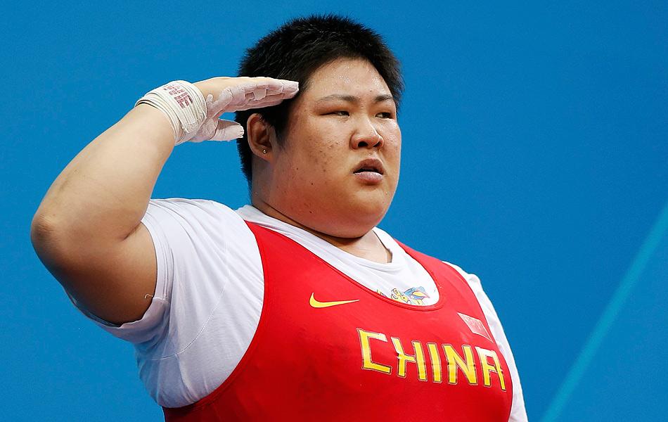 2012年8月5日,英国伦敦,2012奥运会女子举重75公斤以上级,周璐璐破世界纪录夺冠。