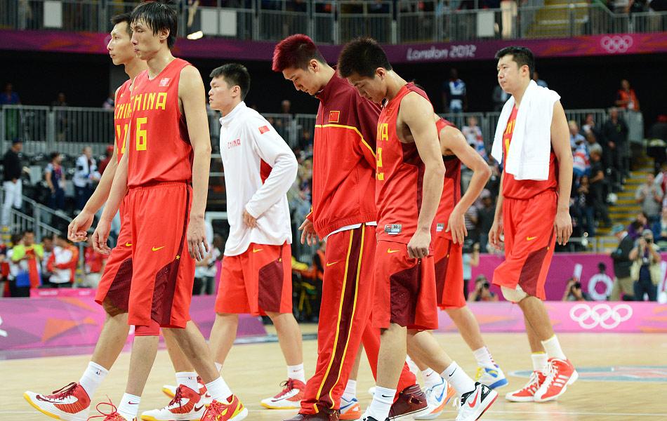 2012年8月6日,在伦敦奥运会男篮B组小组赛最后一轮中,中国队以58比90不敌东道主英国队。这样,在小组赛结束之后,中国队五战全败,以小组垫底的成绩结束了伦敦之旅。