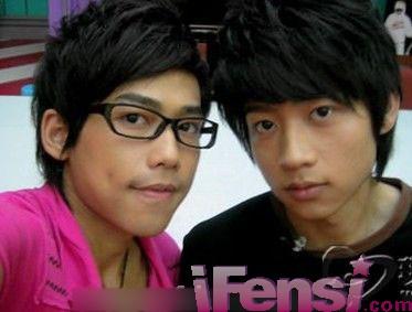中韩男星眼镜造型大比拼