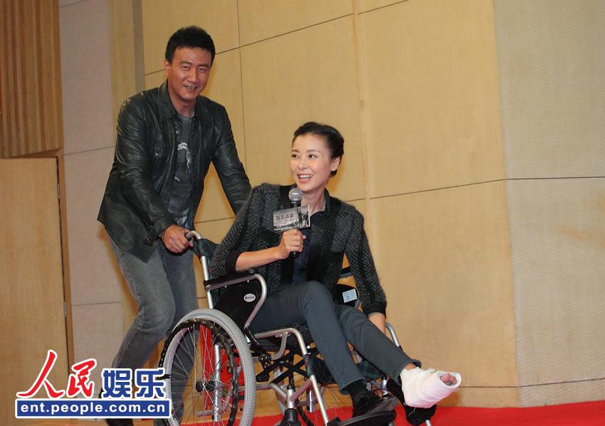 柯蓝/日前,大型军事题材电视剧《孤军英雄》在京举行了发布会,该剧...