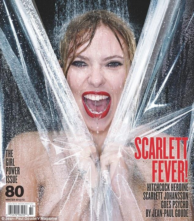 斯嘉丽·约翰逊登杂志封面 湿身造型向经典影
