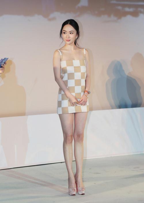 霍思燕�9g�[�xZ~x�_[惊艳]霍思燕长腿撩人现身活动 搭档林志颖