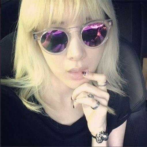 徐仁英变身金发美女:我是青春期的她