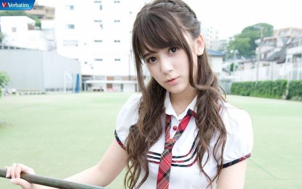 日本超萌混血清纯小萝莉图片