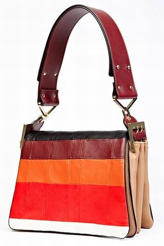 Chloé 夏季系列手袋 外形时尚的实用主义