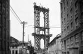 1908年,曼哈顿大桥刚刚搭起架子。
