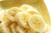 """水果含有丰富的营养素和益于健康的生物活性物质,它对健康的好处已经深入人心,""""每天一个水果""""是许多人的健康饮食标准。但是,怎么样吃水果才能既保证充分吸收其营养成分,又不对身体造成不良影响呢?"""