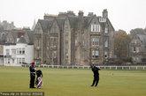 苏格兰。这里是高尔夫球的故乡。自15世纪以来,高尔夫运动便在此地盛行。圣安德鲁斯(St Andrews)、卡诺斯蒂(Carnoustie)和格伦伊戈斯(Gleneagles)等球场是任何倾心高尔夫运动者的理想挥杆地点。