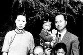 """金仲华(1907-1968.4.3)浙江桐乡人。上海市副市长。曾任《文汇报》社长、上海市政协副主席、全国新闻工作者协会副主席、上海社科院国际问题研究所所长。1968年3月以""""破四旧""""为名,抄走了他珍藏多年的与宋庆龄之间的80多封信件,其中有宋庆龄流露出对文革不解和不满的信。1968年4月1日,徐景贤找他谈话后,于4月3日在书房上吊自杀,终年61岁。1978年平反,骨灰安放于上海市龙华公墓。"""