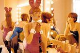 性感妖娆的曼妙女郎、名人云集的奢华聚会、带浴桶的洞室、华美的家居服、圆形的旋转床,一想到这些画面,就会想到《花花公子》与其创刊人休·赫夫纳。