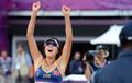 中国选手薛晨/张希沙滩排球小组赛获胜