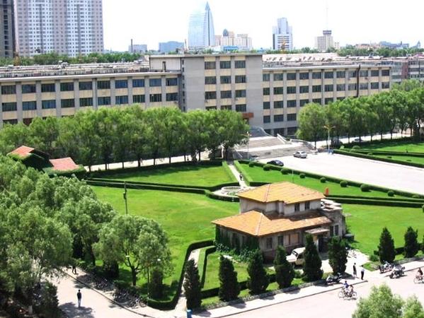 大学校园宿舍景观绿地手绘设计图展示