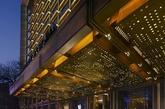 北京华尔道夫酒店是一座拥有丰富文化内涵、非同寻常经历的奢华酒店。酒店地处王府井,是北京最繁华的中心位置,原台湾饭店翻扩建工程,酒店于2014年3月1日正式对外营业。(实习编辑:温存)