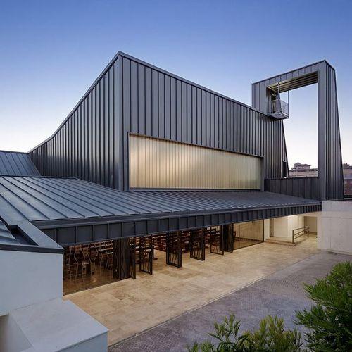 西班牙教堂建筑设计 看到简洁中的庄重