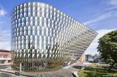 瑞典卡罗林斯卡医学院的礼堂,由瑞典建筑设计室Wingardh Arkitektkontor AB设计。(实习编辑:温存)
