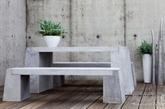 什么是现代户外家具的理想材料?它要坚硬、耐用、而且看上去能够能够持久使用。国外著名设计师创造出惊人的椅子,桌子,台灯,衣架,凳子,而使用了令人意想不到的材料——混凝土。这宗家居看起来拥有着钢铁或者玻璃般的质感,而且看起来具有现代感。其中最令人印象深刻的莫过于由 Florian Schmid,制作的拼接混凝土凳子,通过折叠和缝合的帆布定型淋了水,然后让它凝固定形,通过这些混凝土块的拼接,使您的庭院或露台更加时尚,充满设计灵感。(实习编辑:温存)