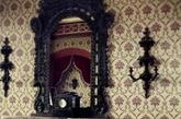 在欧洲建筑史上,中世纪哥特风格占有极其重要的地位。既高贵华丽又雅致精细,具有非凡的厚重感。欧洲中世纪哥特风格家庭装修鉴赏,色彩运用很关键。(实习编辑:温存)