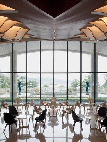 """毕路德:""""新与旧""""调和出充满想象空间的莱蒙水榭湾销售中心"""