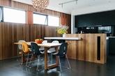 现代简约的家具线条,最终让室内显得简洁利落。