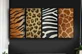 狂野动物纹 :动物纹在冬天可谓是大热图案,更是成熟女性的挚爱,性感野性,又不失韵味。同时,动物纹的家具配饰就像披上了动物的皮草,暖意十足。但切忌大面积使用,会显得俗气。
