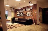"""这个名为""""北欧自由路""""的案例由北京蝶影设计事务所设计,本着除去浮华、回归本真的设计理念,杜绝曲线装饰下浓妆艳抹的虚华,用简洁的线条,不加修饰的打造纯朴、自然、舒适的家居空间。"""