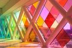 将阳光变彩虹 彩色玻璃打造的神奇梦幻王国