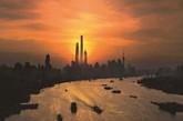 上海中心大厦总高632米,将于今年投入使用。届时,上海中心大厦将成为中国第一高楼,和仅次于哈利法塔的世界第二高楼。(实习编辑:周芝)