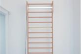 4.爬上梯子才能换到的日光灯 这个梯子让小编想起了小时候双层床的梯子,明明不睡在上铺也要整天爬上爬下。如果有了这个梯子,应该经常都会想爬上去呼吸呼吸新鲜空气吧。(实习编辑:谭婉仪)