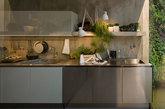 五.做饭也可以很时尚 这其实是橱柜品牌Arclinea的一组现代厨房设计。针对多元的设计需求,他们结合质量、功能、定制与社交性,给出了这组现代开放的厨房设计理念。(实习编辑:谭婉仪)