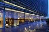 北京Charme Restaurant港丽餐厅空间创意设计。工业化设计风格在中国的餐厅中别具一格,但是不知道在这样的空间中用餐心情会怎样。(实习编辑 孟璇)