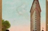 """为此建造熨斗大楼的建筑工人还发明了一个词""""23-skidoo"""",正如Andrew S. Dolkart在文章《Birth of the Skyscraper: Romantic Symbols 》中所记录的:""""闲逛的人们聚集在此,只为大风会掀起女士们的裙角,一睹她们的脚踝。这甚至成为一种流行文化,无数的明信片上都印着熨斗大厦前裙角飞扬的女士。""""(实习编辑:刘嘉炜)"""