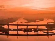 全球首条环岛高铁贯通 沿途风光大片曝光