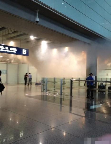 北京/北京机场T3航站楼发生爆炸。