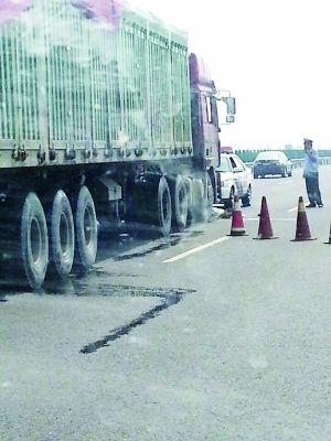 京承高速一交警被撞身亡 大货司机被控制