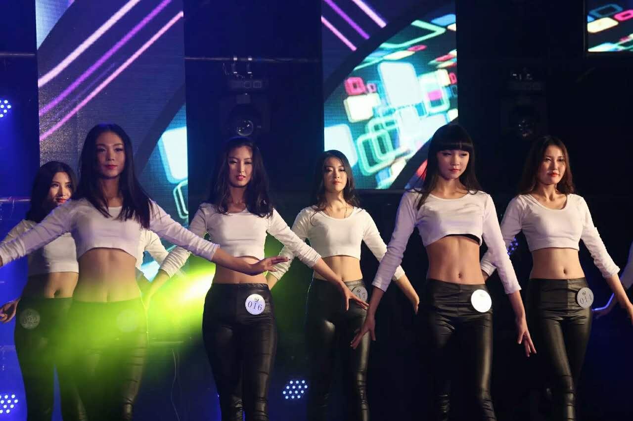 北京新丝路模特学校学员摘获42届世界旅游小姐大赛冠军