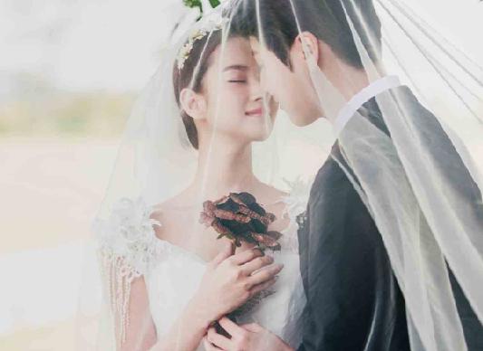 拍婚纱照多少钱 三亚拍婚纱照怎么划算
