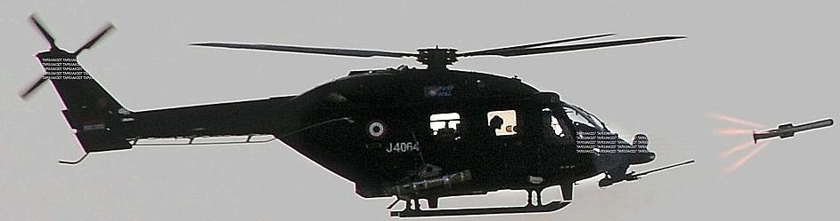 印度国产武装直升机悬停发射自制毒蛇反坦克导弹(3/6)图片