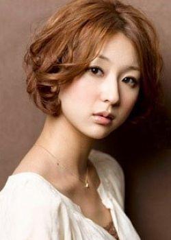帅气可爱的短发新娘美发型