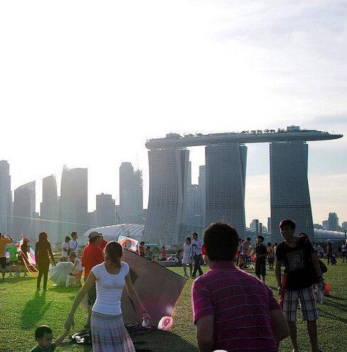 我第一次到新加坡时因不知道该国技术了得还闹了笑话,新加
